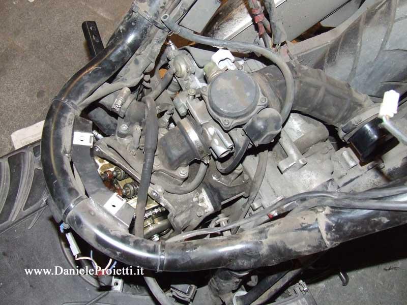 carburatore sul motore montato
